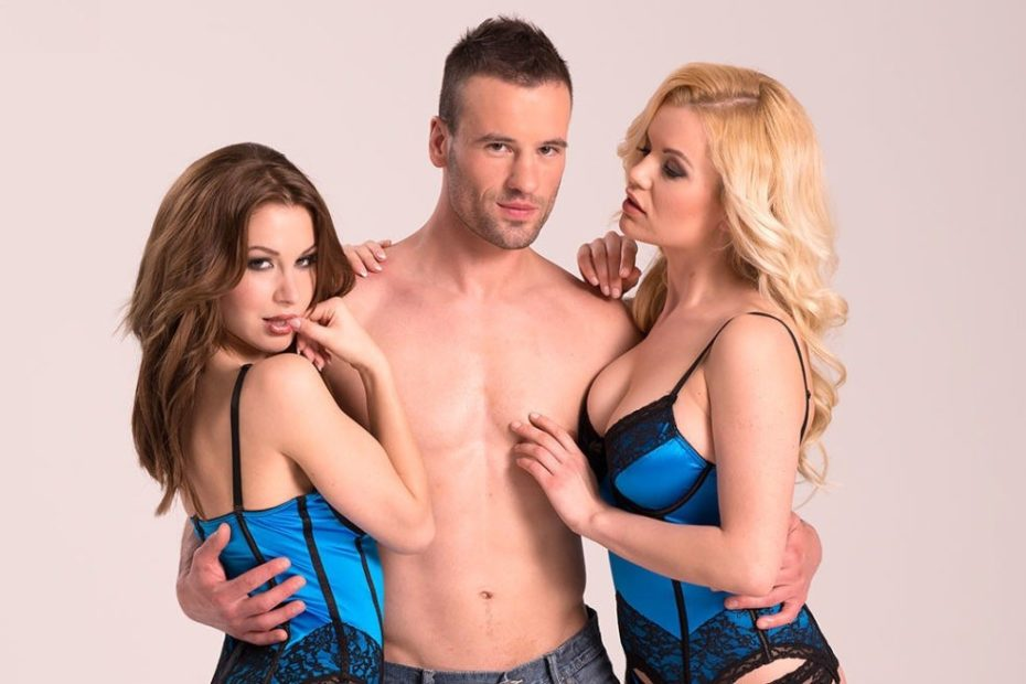 3 Sex Tips for the Best Threesome